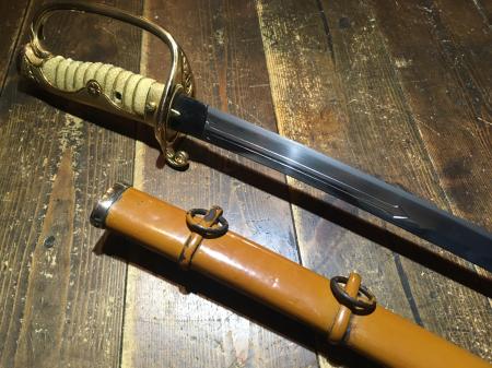陸軍将校用旧型軍刀(本身入る登録証付)_a0154482_18270861.jpg