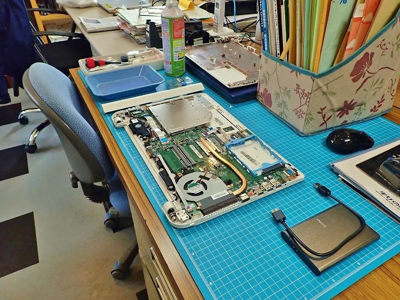 クリエイティブパソコンの設置作業_c0336902_20035327.jpg