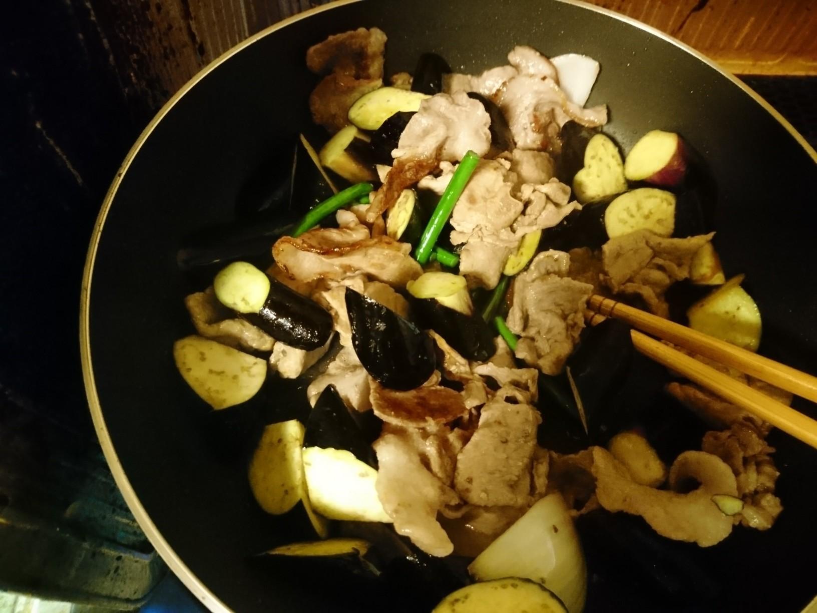 なすの辛みそ炒めと油淋鶏_d0256914_19394901.jpg