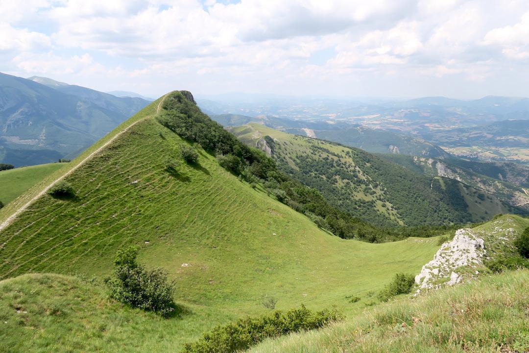 眺めよし攻撃びっくり魔女の山 Monte della Strega_f0234936_6504327.jpg