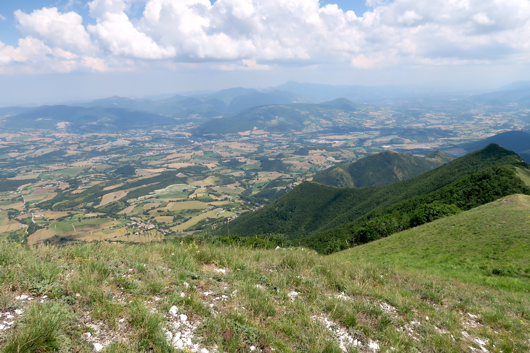 眺めよし攻撃びっくり魔女の山 Monte della Strega_f0234936_6522783.jpg