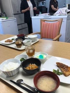 京都生活 ~はるかぜガーデン御前のお昼ごはん~_c0218368_13115872.jpg