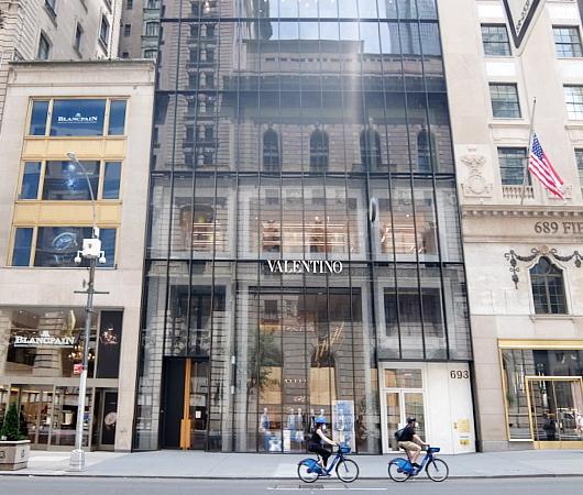 ニューヨーク五番街のコロナ対策_b0007805_00491872.jpg