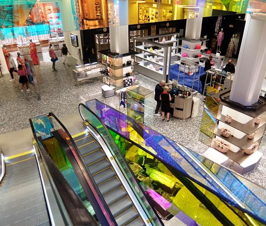 サックス・フィフス・アベニューNY五番街店のコロナ対策 #SAKS♥NYC_b0007805_01293586.jpg