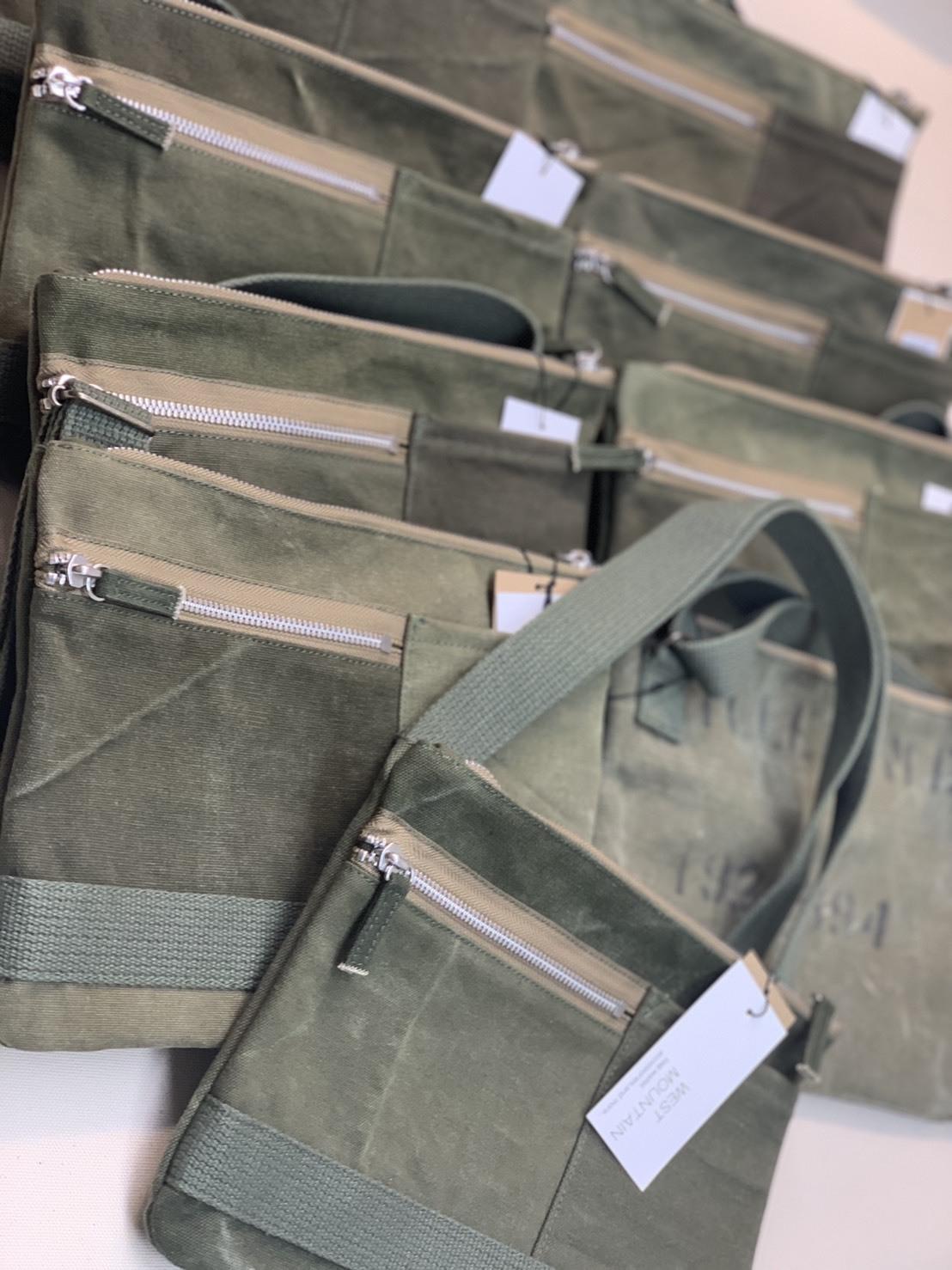 WESTMOUNTAIN  Military Fabric \'\'Sacoche\'\'_b0247211_20400140.jpeg