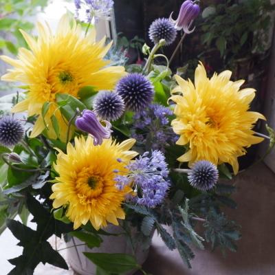 オークリーフ(青い花とひまわりレモネード)_f0049672_19082980.jpg