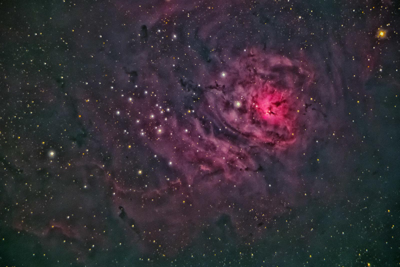 久しぶりの天体写真 C11にビクセンコマコレクターのくみあわせ_e0174091_18253804.jpg