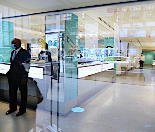 ティファニーNY本店はコロナ前から大規模リノベーション_b0007805_20594282.jpg