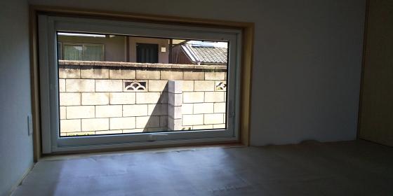 窓から見える庭を | _d0080906_21303127.jpg