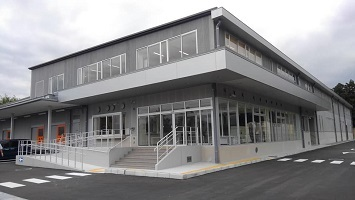 新しい給食センターと、防災倉庫の内覧会がありました。_c0133422_19575705.jpg