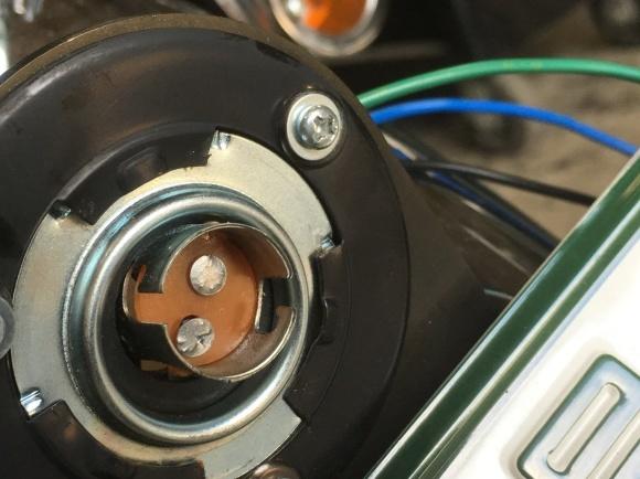 ルーカススタイルテールランプの修理_a0139843_21481684.jpg