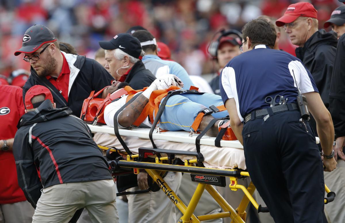 脊椎損傷疑いのアスリートの搬送前措置 (Prehospical Care of the Spine-Injured Athlete)に関する最新推奨事項、おまけ。_b0112009_12021622.jpg