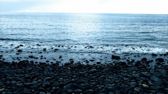 糸島半島 西の浦海岸へ オブジェ作品の材料探し_a0212807_20323889.jpg