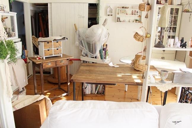 ミシン部屋の家具配置替えと「押入れ収納DIY1」ようやくお披露目♪_f0023333_22585916.jpg