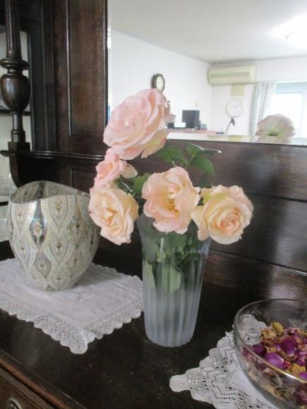 薔薇を飾って我が家でランチ~_a0279743_07322660.jpg