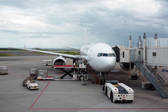 日本航空 JL904便 A350-900 ファーストクラスで那覇から羽田へ 当日アップグレード 那覇空港のダイヤモンド・プレミア ラウンジ_f0117059_20451248.jpg