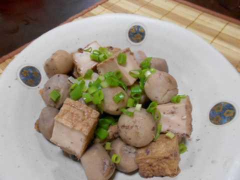 イカ飯の煮汁で里芋を煮る(じいちゃんの料理)&オカトラノオ_f0019498_08495261.jpg