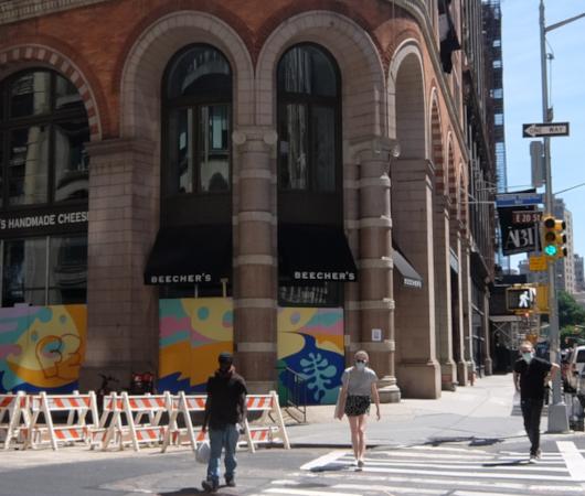 NYで愛される老舗の名店エリア、歴史ある建物、街角アート_b0007805_22045579.jpg