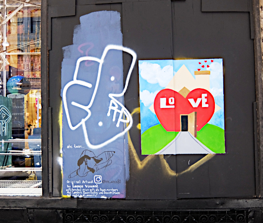 NYで愛される老舗の名店エリア、歴史ある建物、街角アート_b0007805_23031014.jpg