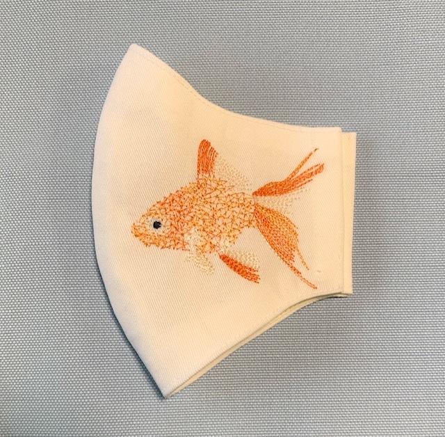 クモの巣刺繍の金魚マスク♪_c0316026_19592827.jpg