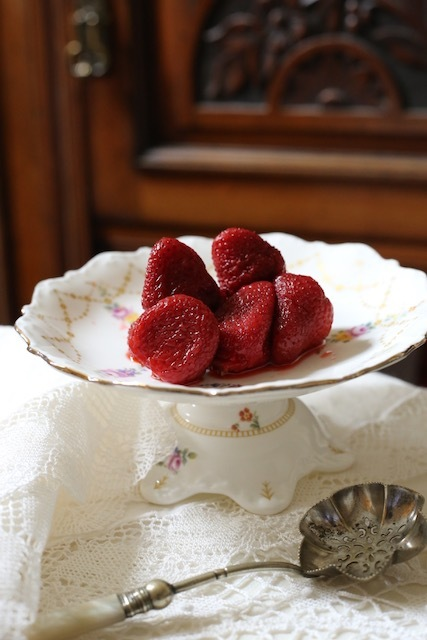 今年の苺は大変であります_f0380234_00414031.jpeg