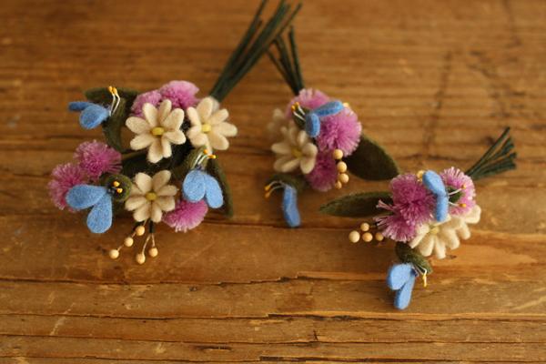 クッションブーケのアクセサリー「いちばんちいさなフェルトの花アクセサリー」_e0333647_15395794.jpg
