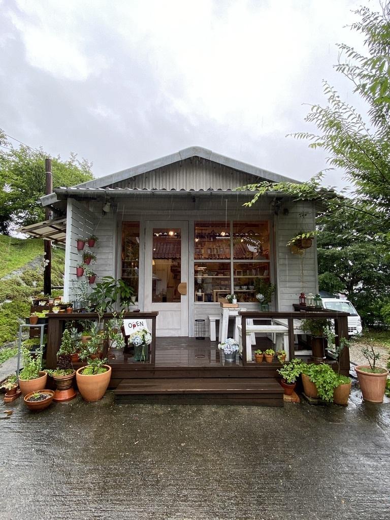 土砂降りの雨の月曜日 〜店内のようす〜_c0334574_17285211.jpeg
