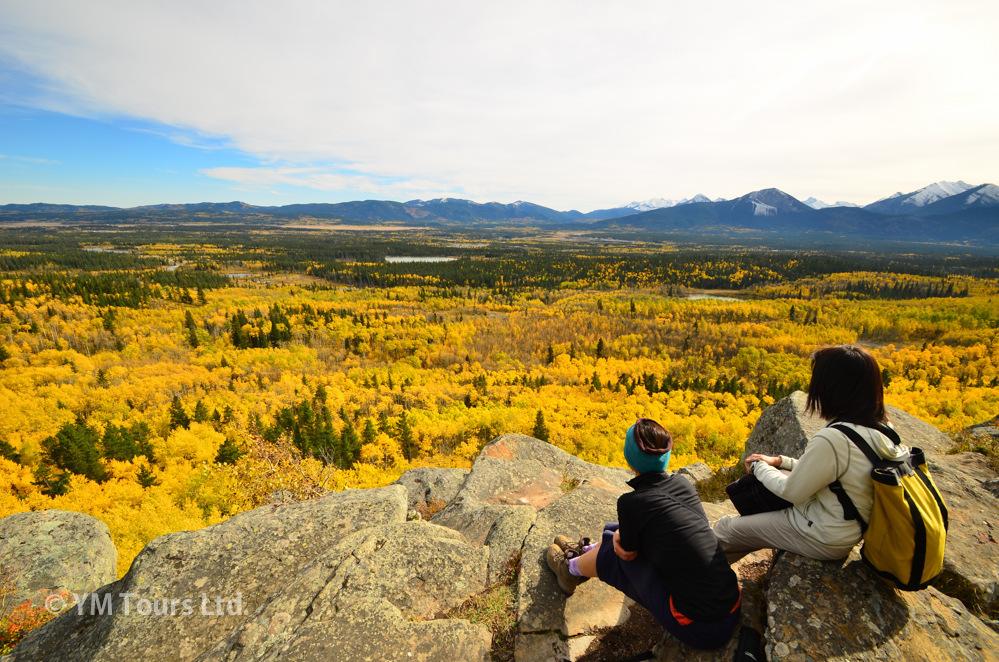 シーズンを通して楽しめる3つのベスト・ハイキングコース_d0112928_07041474.jpg