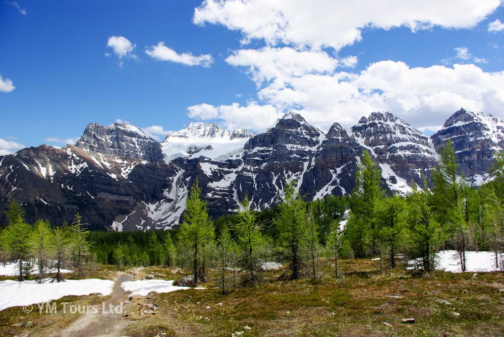 シーズンを通して楽しめる3つのベスト・ハイキングコース_d0112928_07294457.jpg