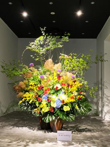 桜建設のフロアー現場活け_d0125644_22152837.jpg