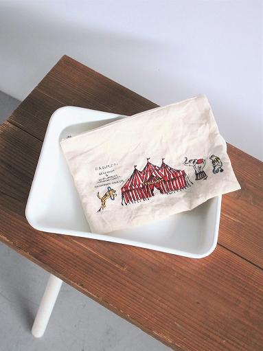 R&D.M.Co- CIRCUS EMBROIDERY POUCH_b0139281_9393886.jpg