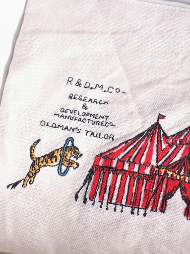 R&D.M.Co- CIRCUS EMBROIDERY POUCH_b0139281_94028100.jpg