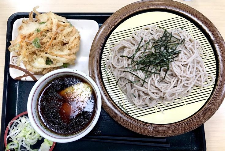冷しとろろ蕎麦+かき揚げ @箱根そば 今日はオヤツの時間のランチになってしもうた。_c0212604_167658.jpg