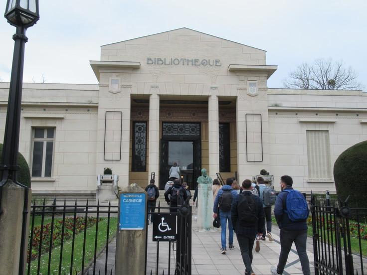 ランス観光*カーネギー図書館(Bibliothèque Carnegie)_c0212604_204318.jpg