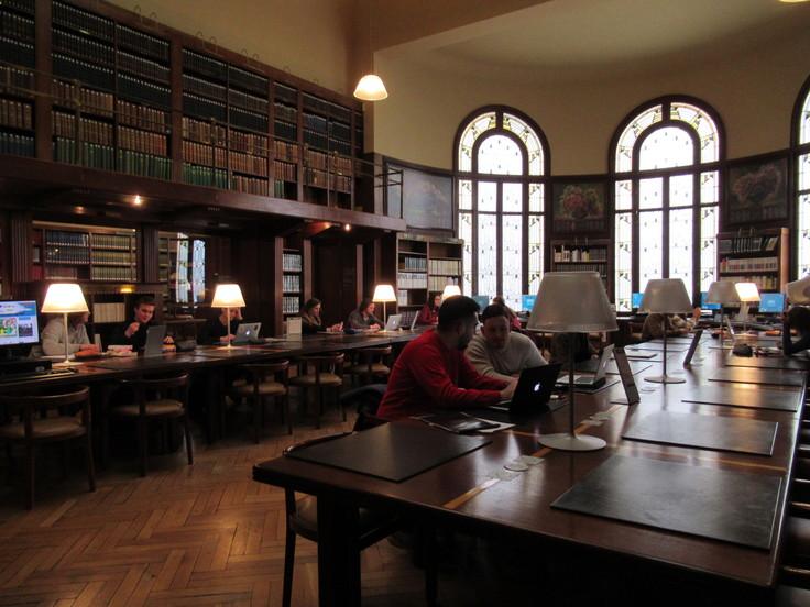 ランス観光*カーネギー図書館(Bibliothèque Carnegie)_c0212604_21582177.jpg