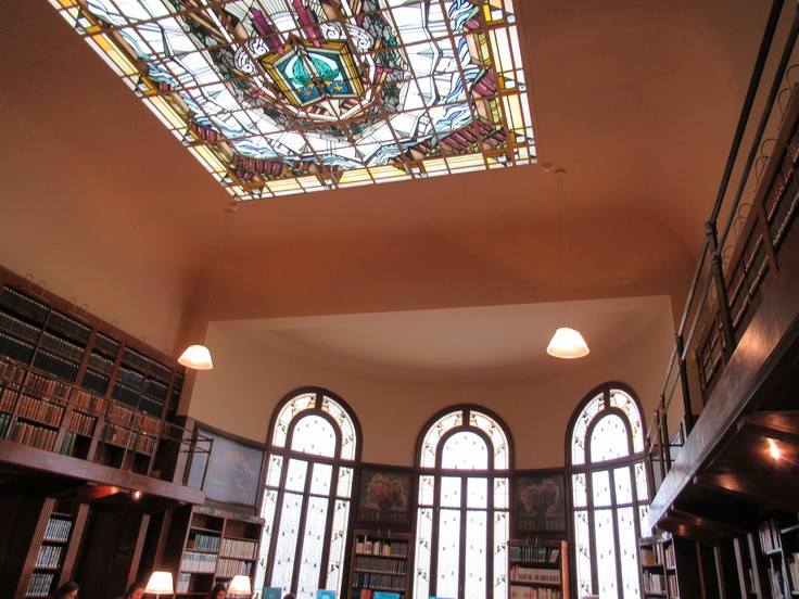 ランス観光*カーネギー図書館(Bibliothèque Carnegie)_c0212604_2213523.jpg