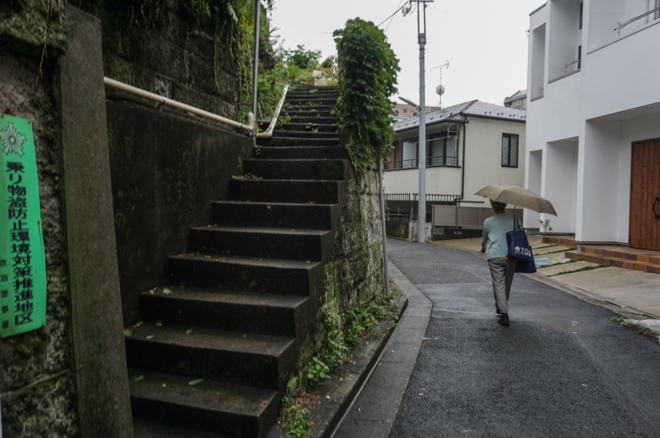 07.08 雨の日、坂道_a0390712_18350217.jpg