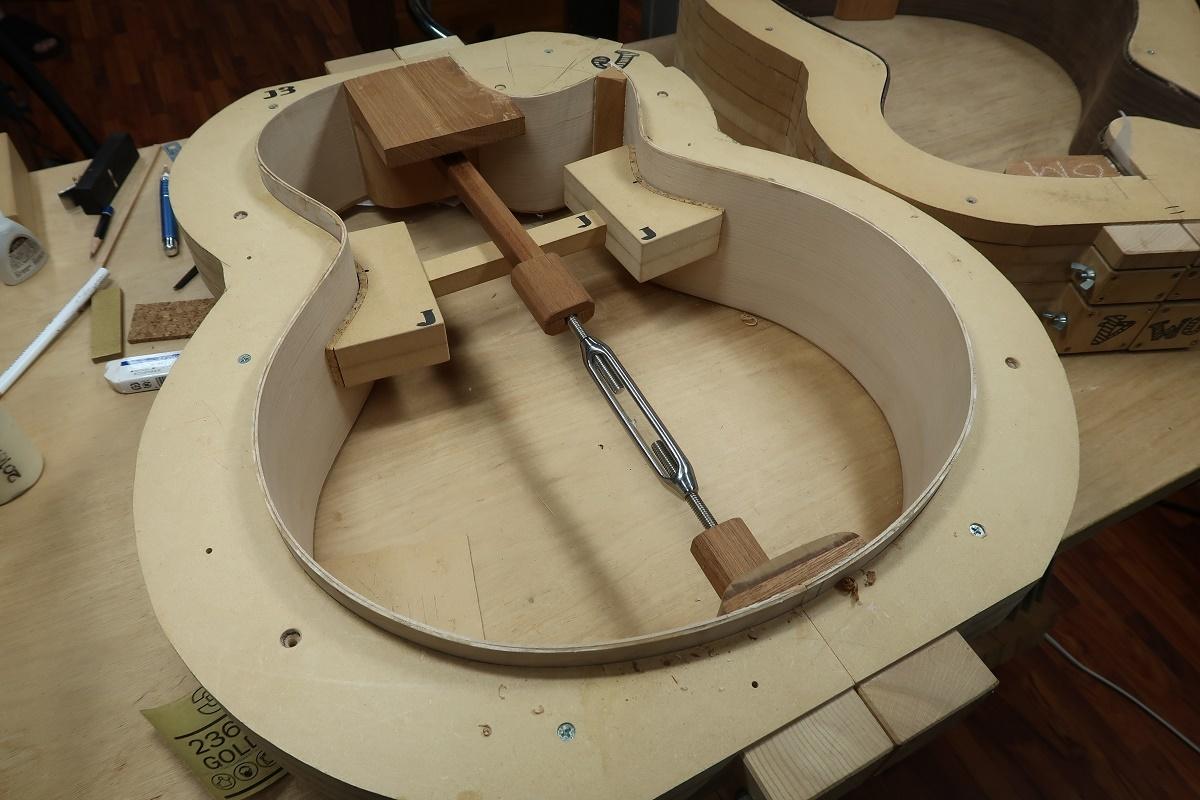 「とんでもないほど鳴る世界一のギター・プロジェクト」4_d0200414_17205676.jpg