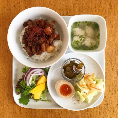 魯肉飯(ルーローハン)台湾風甘辛そぼろどんぶり_b0102217_15231918.jpg