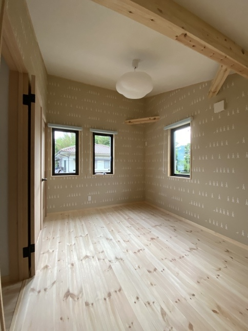 かわいい子供部屋が出来ました!_c0153422_20071632.jpeg