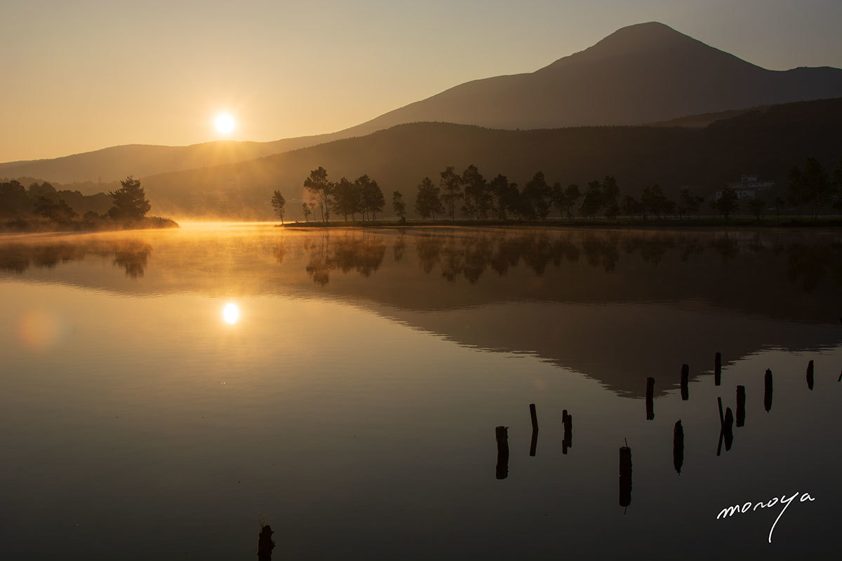 夜明けの湖_c0085877_05572617.jpg