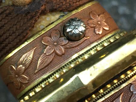 陸軍将校用新型制式軍刀外装・鞘は茶褐鮫鞘仕上の新型軍刀制定当初の物。_a0154482_19211498.jpg