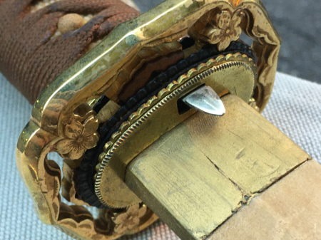 陸軍将校用新型制式軍刀外装・鞘は茶褐鮫鞘仕上の新型軍刀制定当初の物。_a0154482_19251967.jpg