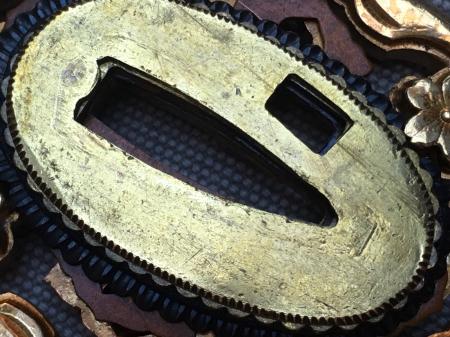 陸軍将校用新型制式軍刀外装・鞘は茶褐鮫鞘仕上の新型軍刀制定当初の物。_a0154482_19351300.jpg