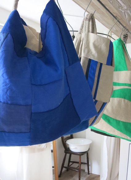 百田むつみさんによる「かばん展」準備中_e0407037_18470143.jpg