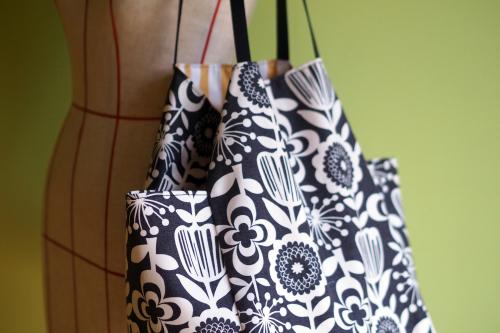 シンプルな「relax bag」はファブリックが主役_e0243765_23441529.jpg
