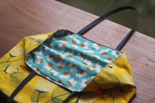 シンプルな「relax bag」はファブリックが主役_e0243765_23450222.jpg