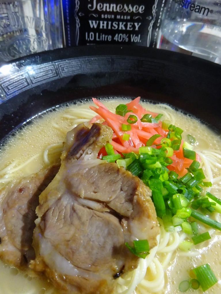 アメリカカブレかもろ日本人か分からぬ食卓 116 博多ラーメン 豚骨_d0061678_18135516.jpg