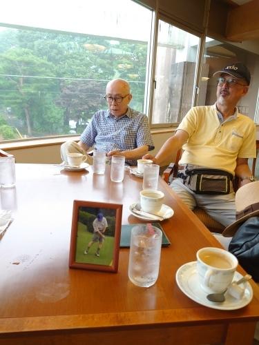 「初見さん追悼ゴルフ」_a0075684_12412726.jpg