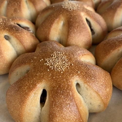 光を捉えた瞬間をパチリ 焼きたてのパンとお菓子_a0134394_09504886.jpeg